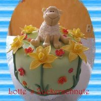 Sweet Sheep First time I´m posting a picture here *ggIt´s a fresh, sunny cake for my Mother-in-law´s birthday. filled...