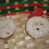 Mr. And Mrs. Claus Cupcakes.