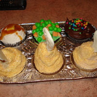 Tv Dinner Cupcakes 3 Chicken legs, mashed potatoes, peas and carrots and chocolate pudding for dessert. I made these for a girl who wanted me to bake her...