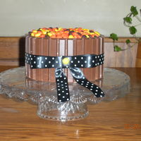 Barrel Cookie Cake I have seen many, many pictures of the candy barrel cakes and decided that i would have to try. To my amazement it was super easy just like...