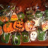 Halloween Cookies! These cookies were fun to make but time consuming. I used NFSC and decorated it with Antonias Royal Icing. This is actually my first time...