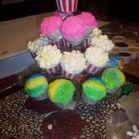 Carnival Cupcakes thank you NoahLili fo rthe popcorn help