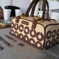 Coach Bag Made for a dear friends bday, first attempt at a purse cake thank you to all fellow cc'ers for all the inspiration 10 x 5 chocolate...