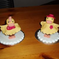 Meet Ed And Edwina Duck Something we made at my cake decorating course, its a lovely little gift for children at Easter. Its made from a Creme Egg and fondant...