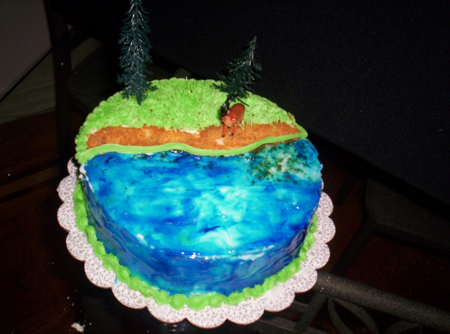 100_0085.jpg   6-4-05 special dominican cake deocation