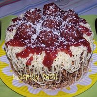 Spaghetti With Meatballs Cake I made some cupcakes like this before, wanted to try the full cake version. Turned out pretty well :)