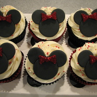 Minnie Mouse Cupcakes Some cupcakes I did for a friends trip to Euro Disney.