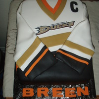 Anaheim Ducks Jersey This is a sheet cake with fondant accents.