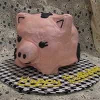 Piggy 3D pig. Not my favorite cake, I shouldn't have added the black spots but he looked so naked :S