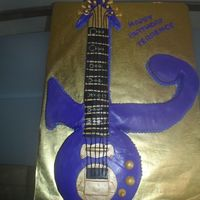 Prince Guitar A birthday cake for a huge Pince fan. Fondant (gold dust) and BC. TFL