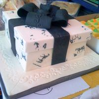 Present Cake With Horse-Print Box