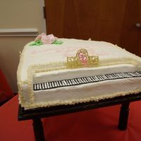 Dscf0613.jpg   piano cake I did for my son's piano rectial. My first 3d piano cake.