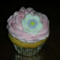 Little Cupcake I made 24 of these to go with the giant cupcake!
