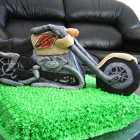 Harley Davidson Bike   Bike made with marzipan and the cake with butter cream
