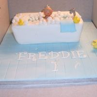 Baby In Bath Made this for my nephews 1st birthday and was really pleased with the result