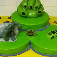 Incredible Hulk  Hulk fist made w/RKT covered in fondant. After this pic was made I took cake scraps w/buttercream and put them around the fist to look like...