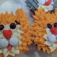 Kitties Cats to go with a kitty litter box cake ewwww