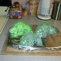 Dino Cakes   cupcakes and buttercream, needed to use up someleftover frostingtfl