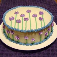 Simple Flower Cake This was a super fast pattern that I based off one I saw in a book one time. All buttercream.