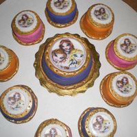 Bratz Minis Bratz mini cakes, the client gave me the photo of what she wanted.