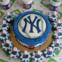 Yankees Bday Cake A Yankees bday cake for a 9 yr old fan