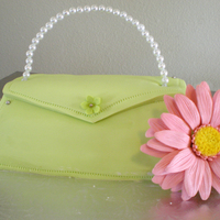 Purse Cake Little purse cake with a gumpaste daisy