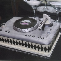 Turntable Grooms Cake