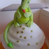 St Georges Dragon   giant cupcake made as a tower topper