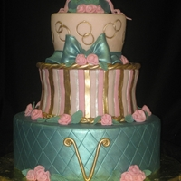 Inspired By Colette Peters   Recently, I spent 3 days training under Colette Peters. This cake was inspired by her style.