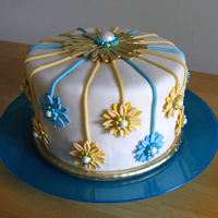 "Daisy Cake 6"" Gluten free cake made for Mother of the Bride who has celiac disease. I was given no information as to how the bride's cake..."