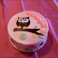 Owl Buttercream with fondant accents. Inspired by KimberlysKakery.