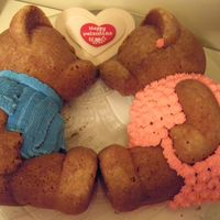 Bears In Love!   This cake I made for my father and mother in law....they loved it....I think a cake is a nice and sweet gift always...