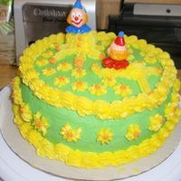 "Birthday__Cake_005.jpg The ""clown"" cake. Could have picked better colors and messed up on the decorations alot."