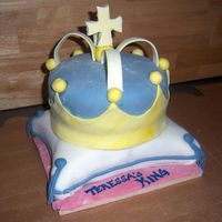 "Crown On A Pillow  This was for my co-worker's husband's 40th bday...he calls himself ""her king."" 2 layer 8"" round basic chocolate..."
