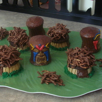 Tiki With Huts I did these little cakes for my Hubbys Birthday this year. It was so much fun and tasted great!