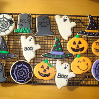 Halloween Sugar Cookies NFSC with Toba's Glace, outlined then flooded and decorated once dry.