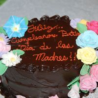 Birthday-Mother`s Day   I made this cake to celebrate my brother`s birthday along with Mother`s Day.