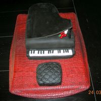Piano Cake Cake has been made for my dear sister-in-law's birthday who plays piano...