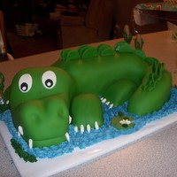 Austin's Alligator WASC w/bc aovered in MMF and choc filling. Lots of fun to do and the customer was very happy!