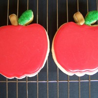 Apple Cookies I was trying out a new cookie recipe and decided to use a cookie cutter I have never used before. The leaf is covered in green sugar,...