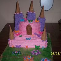 Castle Cake Made With Cupcakes I made this castle cake for my little girls 7 b-day. My towers are notpapper towel rolls. they are cupcakes on a dial rod. I do not like to...