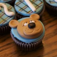 Baby Shower Cupcakes! I did these for my cousin a while ago who had a baby boy. I used Aine2's tutorials to do the bears. I am so thankful that she is so...
