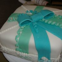 Present Cake Wilton Course 3 My first fondant cake for the 2nd class of course 3. TFL:)