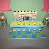 Malt Shoppe Memories We had a 50's theme Birthday for my 10 year old DD this is the cake she wanted when she saw it at Wilton. Floor (Cake Board) and...