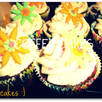 Flower Cupcakes ! For a friends birthday ! Chocolate with buttercream and gumpaste flowers