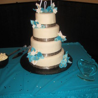 My Wedding Cake! I made my own wedding cake and LOVED it! It's fondarific, which is fantastic fondant! Its so good and easy to work with! Gum paste...
