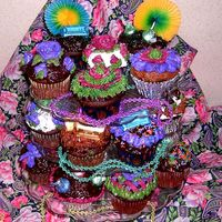 "Hpim0637-1.jpg Just some ""I'm Bored"" cupcakes! (I needed to practice for my job) Chocolate cupcake w/chocolate fudge frosting and..."