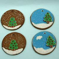Snow Ball Cookies Gingerbread cookies with royal icing