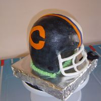 Half And Half Helmet This was for our Super bowl party 2007. One side of the cake was the Chicago the other was for the Colts. It was in the center of the table...