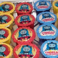 Thomas And Friends Birthday   vanilla cupcake and chocolate cupcake with buttercream and edible image